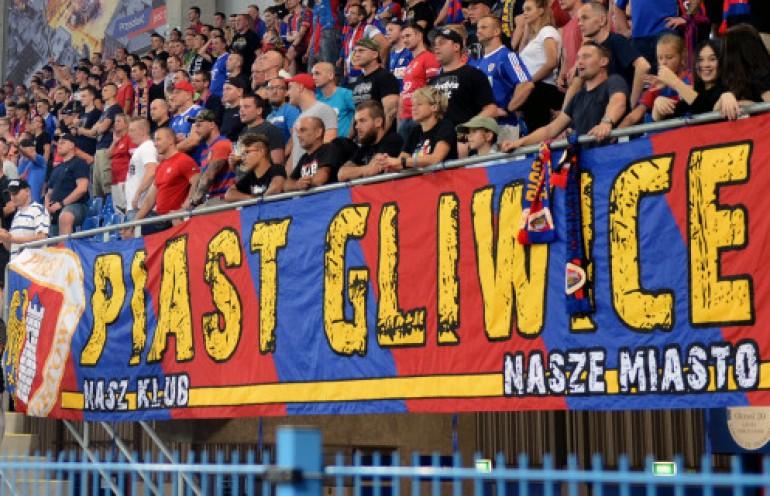 Kibice Piasta Gliwice z meczu el. Ligi Europy