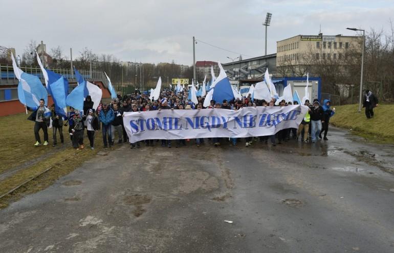 Manifestacja kibiców klubu Stomil Olsztyn