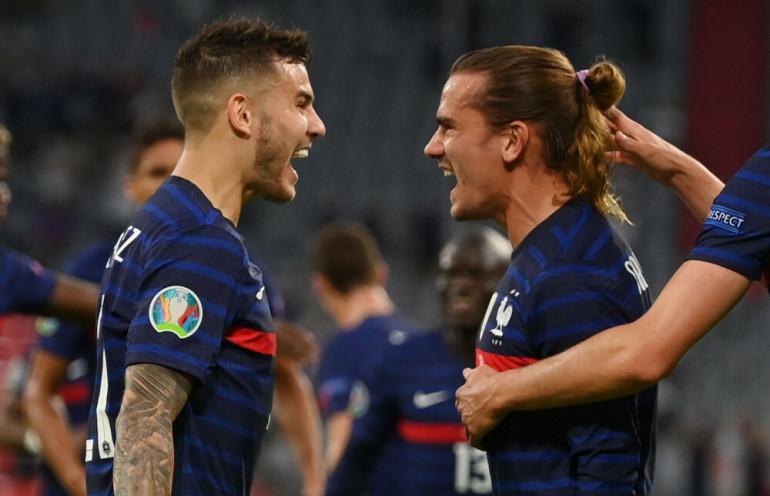 Radość piłkarzy reprezentacji Francji po pierwszym golu na EURO 2020